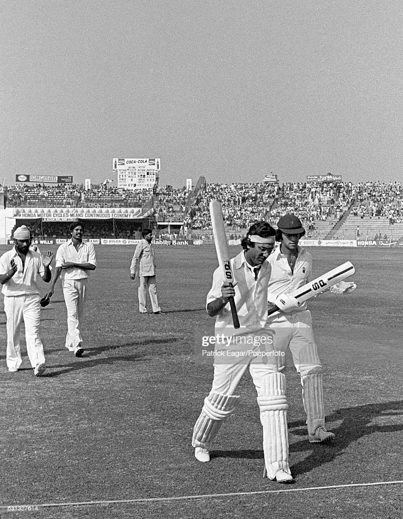 Pakistan batsman Zaheer Abbas acknowledges the applause on his score of 235 not out during the 2nd Test match between Pakistan and India at the...