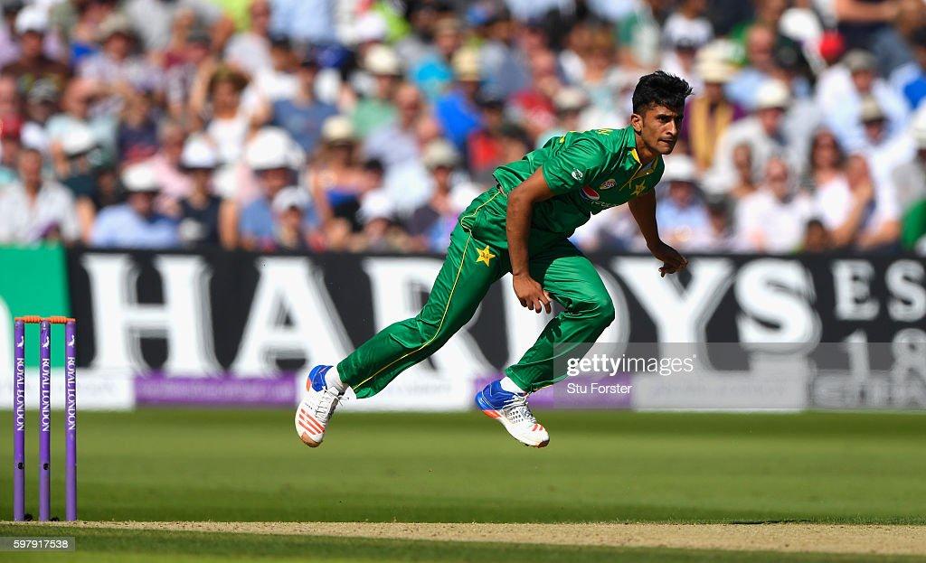 England v Pakistan - 3rd One Day International : News Photo