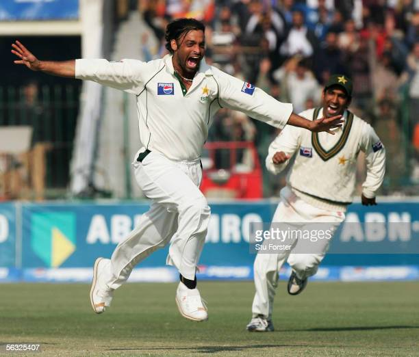 Pakistan bowler Shoaib Akhtar celebrates after taking the wicket of England batsman Ian Bell during the Fifth and Final Day of the Third and Final...