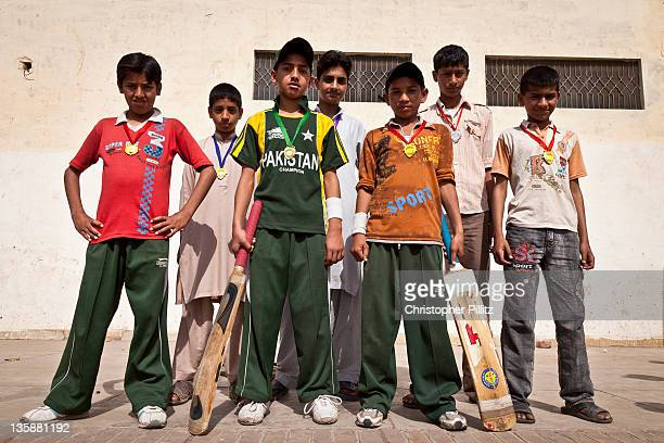 Pakistan - Boys win medals for cricket win in park