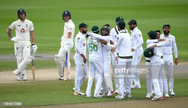 Pakistan celebrate after the successful review to dismiss Ben Stokes of England during Day Four of the 1st #RaiseTheBat Test Match between England...