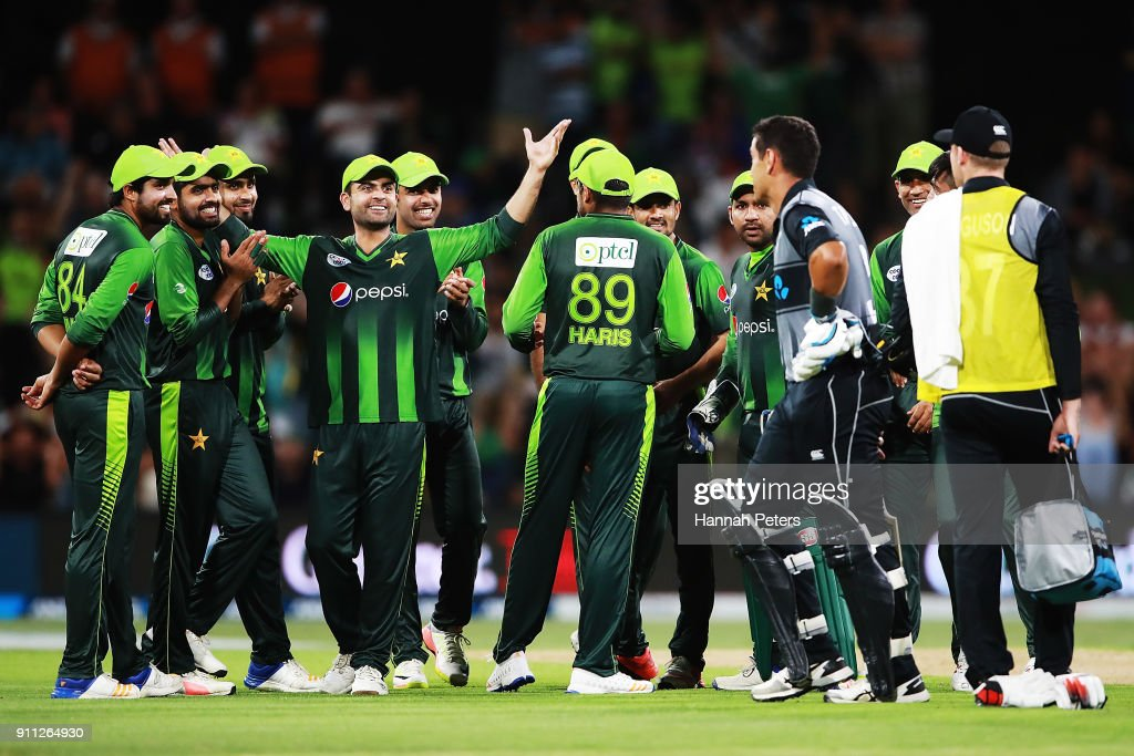 Pakistan celebrate as Ross Taylor of the Black Caps is given out during game three of the International Twenty20 match between New Zealand and Pakistan at Bay Oval on January 28, 2018 in Mount Maunganui, New Zealand.