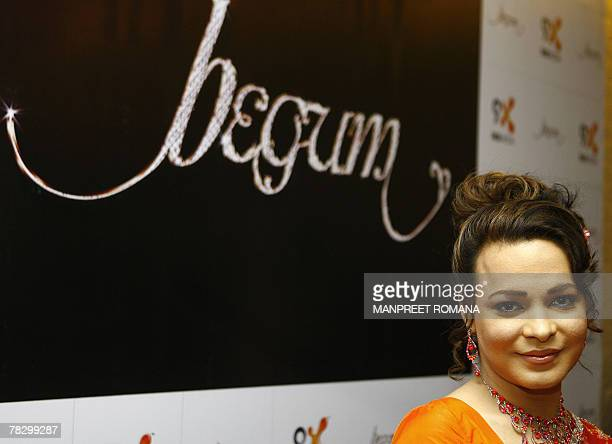 Pakistan chat show host Begum Nawazish Ali poses for a picture during a press conference in New Delhi 07 December 2007 Begum Nawazish Ali will host...