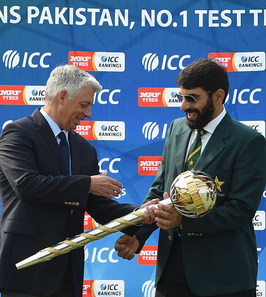 Pakistan Cricket Captain Misbah Ul Haq R Receives A ICC Test Championship