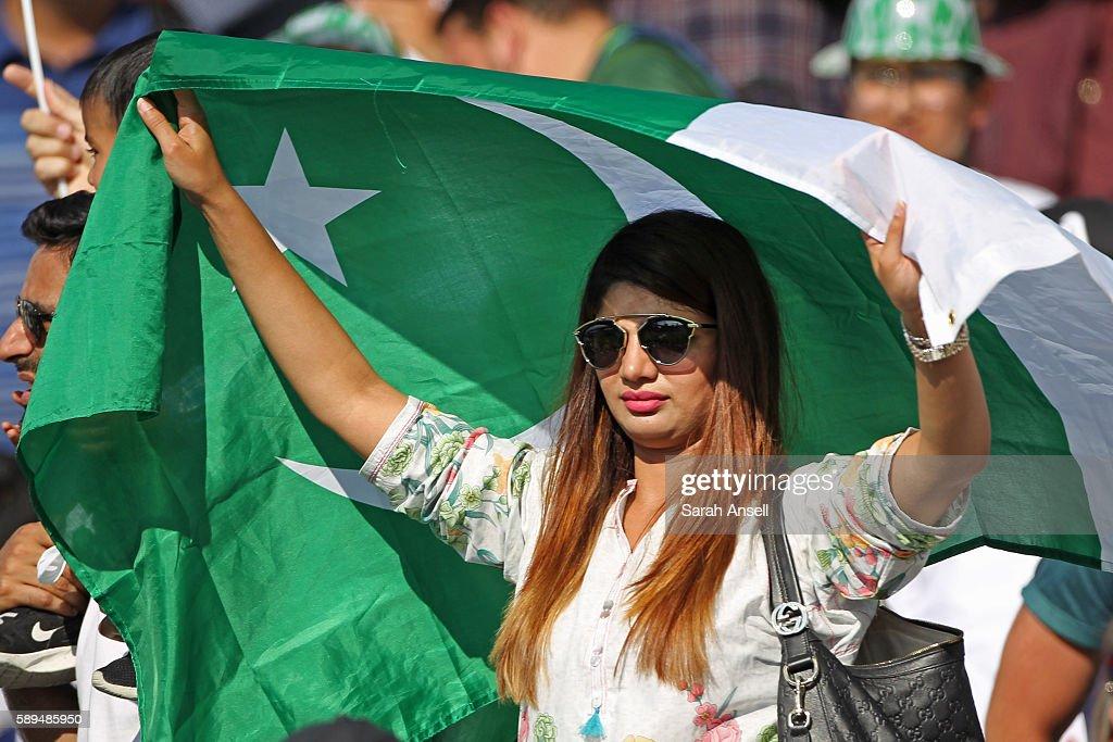 England v Pakistan: 4th Investec Test - Day Four : News Photo