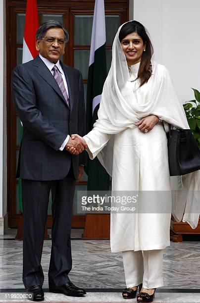 Pakistan Foreign minister Hina Rabbani Khar and External affair minister SM Krishna meet at the Hyderabad house in New Delhi