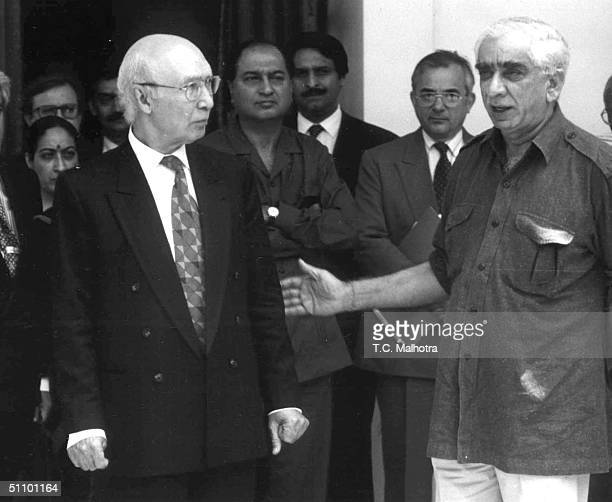 Pakistan Foreign Minister Sarrtaj Aziz Arrives In New Delhi June 12 1999 For Talks With The Indian External Affairs Minister Jaswant Singh The Two...