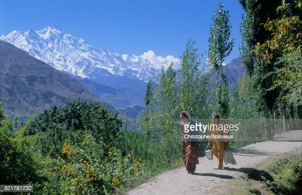 pakistan, hunza valley, karimabad - hunza valley stock pictures, royalty-free photos & images
