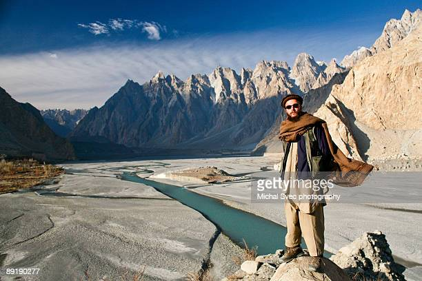 pakistan mountains close to china - hunza valley stock pictures, royalty-free photos & images