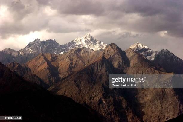 pakistan mountains - k2 mountain stock pictures, royalty-free photos & images
