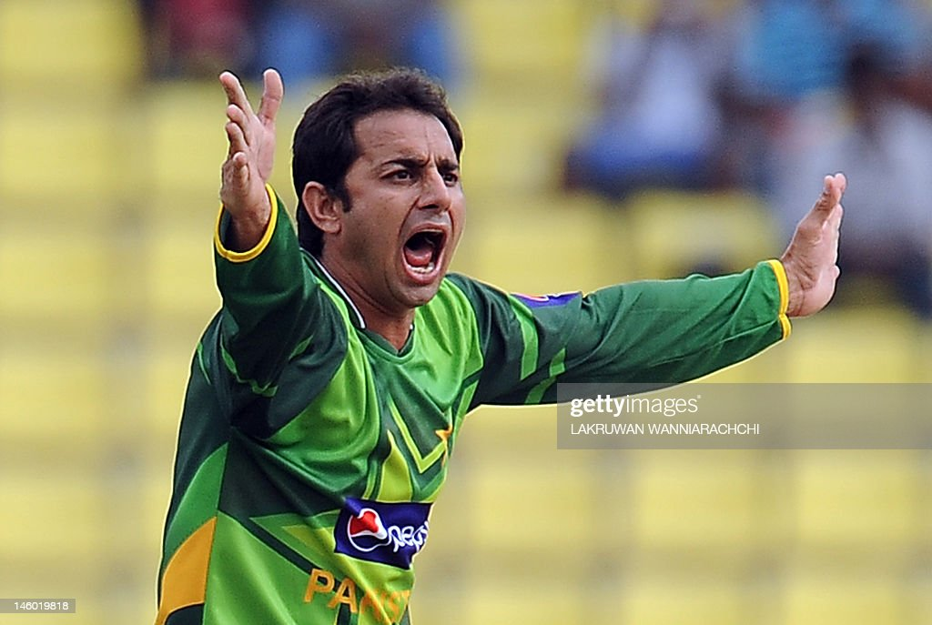Pakistan spinner Saeed Ajmal makes an un : News Photo