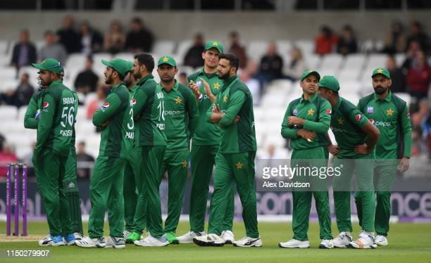 Pakistan wait for the result of Moeen Ali's review during the 5th One Day International between England and Pakistan at Headingley on May 19 2019 in...