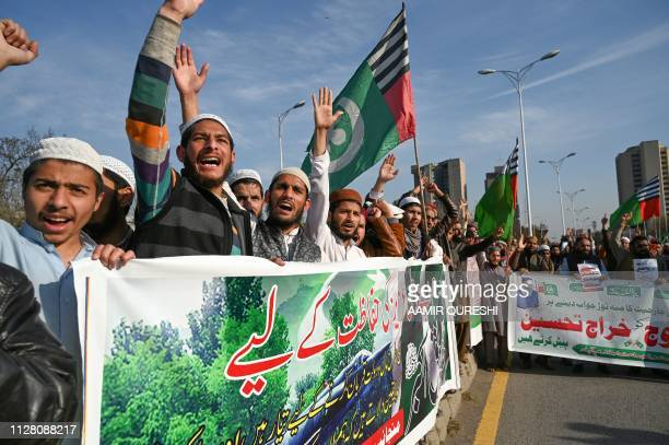 Pakistani activists of Ahle Sunnat Wal Jamaat party shout slogans during an antiIndian protest rally in in Islamabad on February 28 2019 Pakistan...