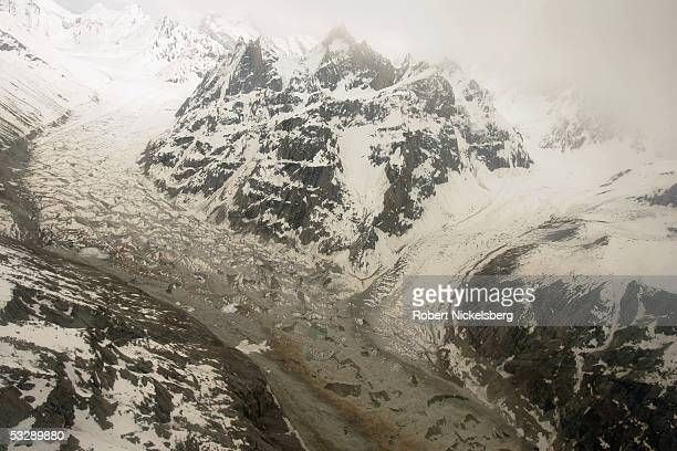A Pakistani Army helicopter flies at 19000 feet along the Kundus Glacier June 18 2005 near the contested Siachen Glacier in Pakistan Pakistani...