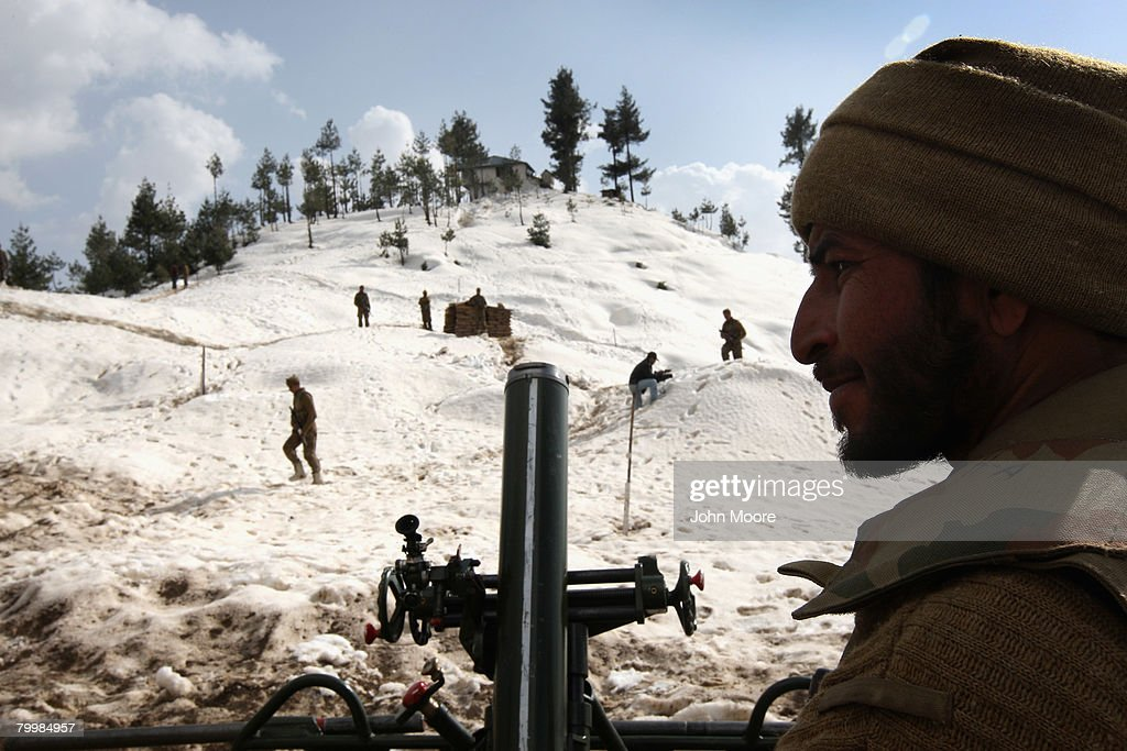 Pakistani Army Retakes Territory From Islamic Militants : News Photo