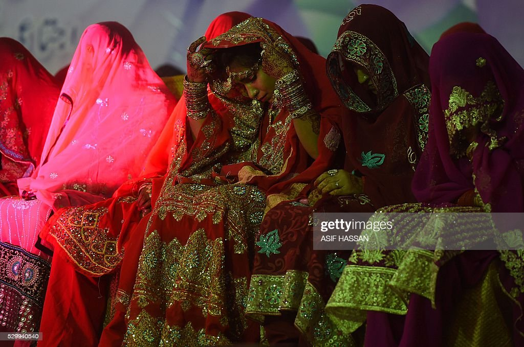 Stani Brides Attend A M Wedding Ceremony In Karachi Late May 9 2016