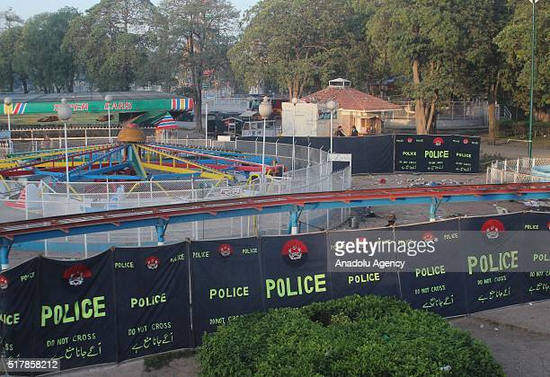 Pakistani commando stand guard at the suicide blast site in Lahore on March 28 2016 At least 70 people mostly women and children have been killed at...