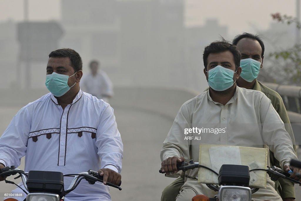 PAKISTAN-ENVIRONMENT-POLLUTION : News Photo