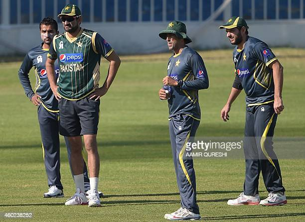 Pakistani cricketers Shahid Afridi Younis Khan Sohail Tanvir and Bilawal Bhatti attend a practice session at the Sharjah cricket stadium in Sharjah...