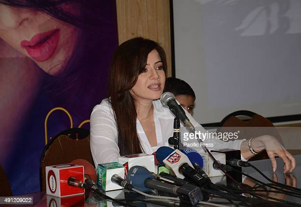 Pakistani famous singer Rabi Peerzada addressing the media about her new video album during a press conference held at Lahore press club
