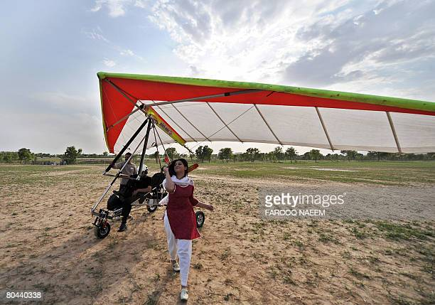 57 Motorized Glider Pictures, Photos & Images - Getty Images