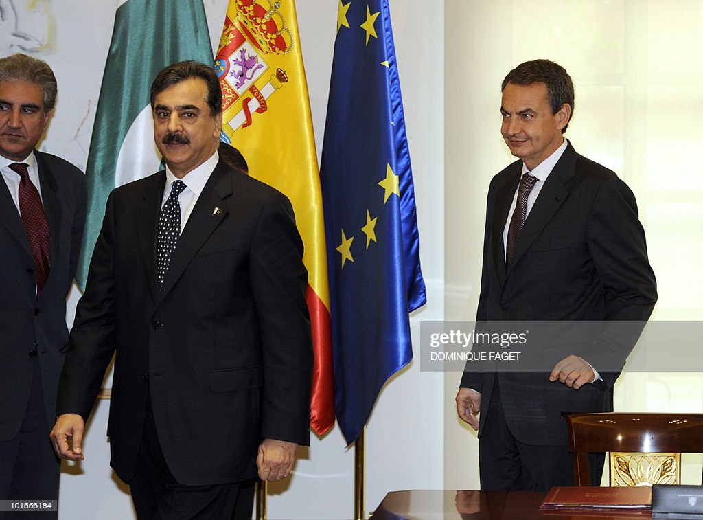 Pakistani Foreign Minister Shah Mehmood Qureshi (L) Pakistani Prime Minister Yousuf Raza Gilani (C) and Spain's Prime Minister Jose Luis Gonzalez Zapatero (R) leave after signing an economic agreement to avoid double taxation and prevent fiscal evasion in front of at the Moncloa Palace in Madrid on June 02, 2010. Pakistani Prime Minister Yousuf Raza Gilani and his delegation are on a visit to Spain organized during the Spanish rotating presidency of the EU.