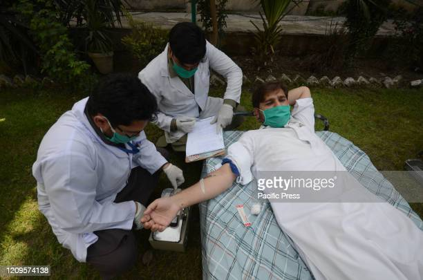 Pakistani journalist donates blood in Peshawar Press Club of Pakistan A continuous lockdown due to the corona virus pandemic has created a severe...