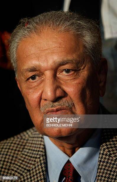 Pakistani nuclear scientist Abdul Qadeer Khan attends a ceremony at the Rawalpindi high court on January 9 2010 Khan criticised the country's...