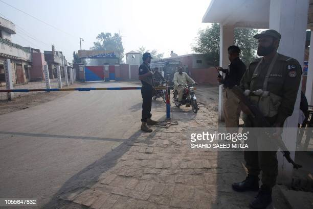 Pakistani paramilitary troopers patrol outside a central jail where Asia Bibi, a Christian blasphemy convict is held, in Multan on October 31, 2018....