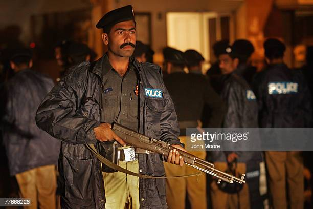 30 Top Islamabad Police Pictures, Photos and Images - Getty
