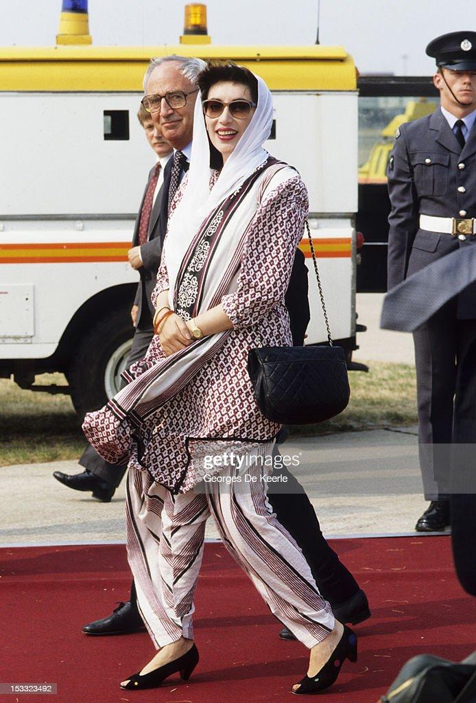 Pakistani politician Benazir Bhutto (1953 - 2007), circa 1989.