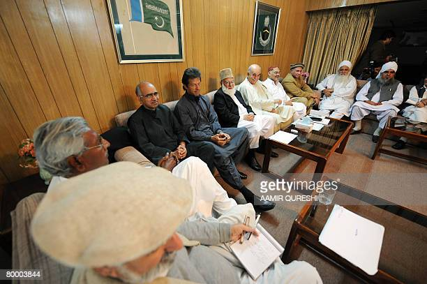 Pakistani politicians from All Parties Democratic Movement Imran Khan Qazi Hussain Ahmed Mahmood Khan Achakzai and other leaders discuss during their...