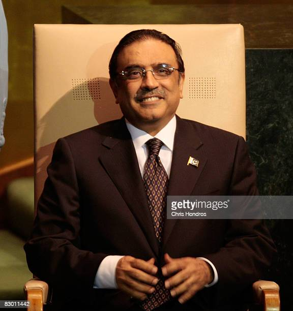 Pakistani President Asif Ali Zardari smiles on the dais before speaking to the United Nations General Assembly September 25, 2008 in New York.