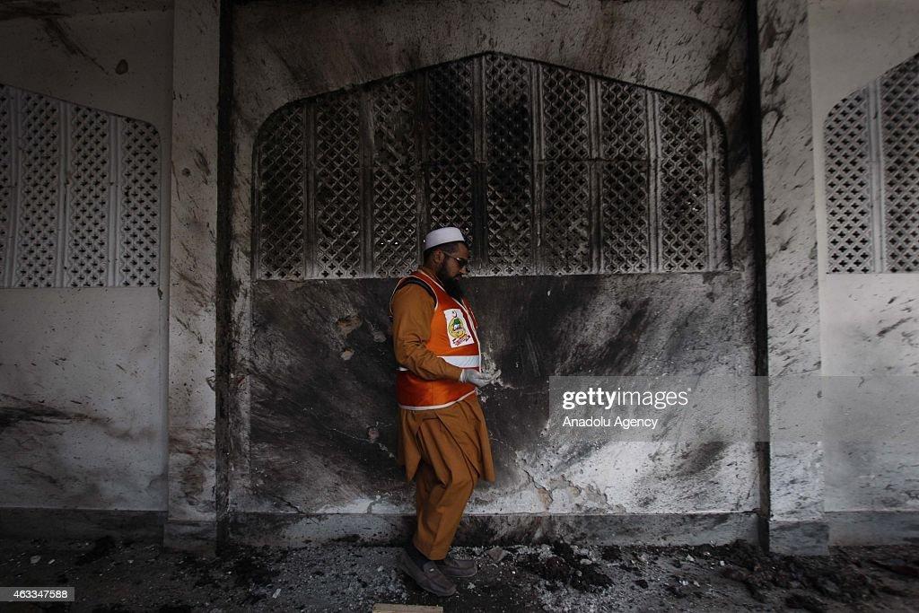 19 killed in Peshawar Shia mosque attack : News Photo