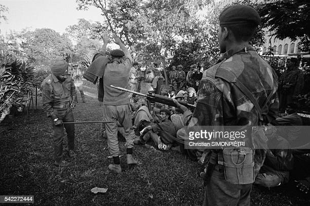 Pakistani soldiers taken prisoner by Indian forces