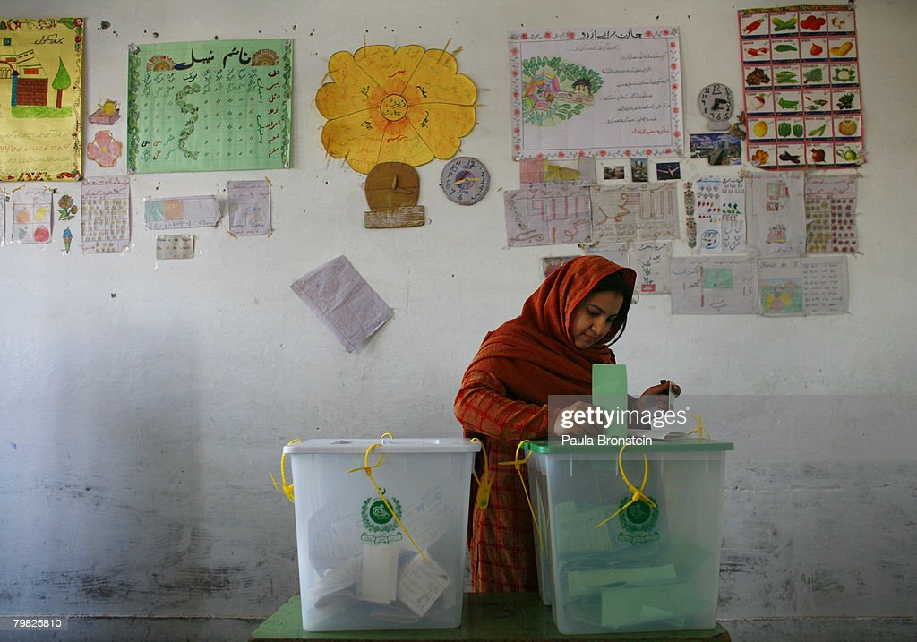 Pakistan Holds Parlimentary Elections : News Photo