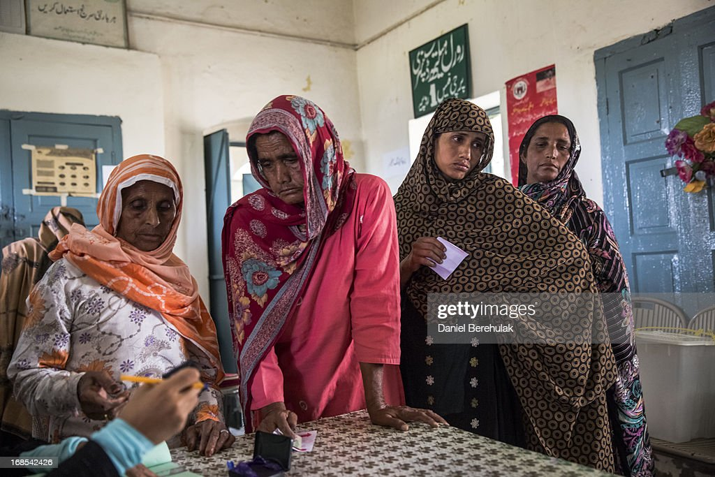 Pakistanis Vote In General Election : News Photo
