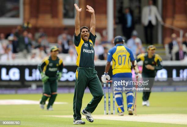Pakistan's Abdul Razzaq celebrates the wicket of Sri Lanka's Jehan Mubarak out for 0 during the ICC World Twenty20 Final between Pakistan and Sri...