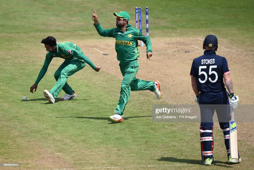 England v Pakistan - ICC Champions Trophy - Semi-Final - Cardiff Wales Stadium : News Photo