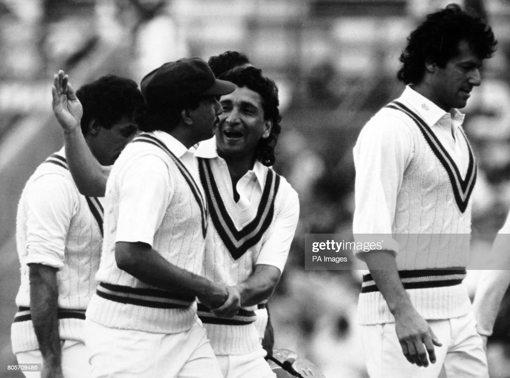 Cricket - England v Pakistan - Pakistan in British Isles 1987 (5th Test) - fourth day - The Oval : News Photo