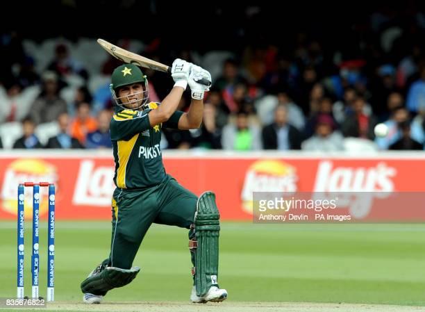 Pakistan's Kamran Akmal bats against Sri Lanka
