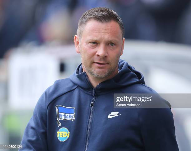Pal Dardai head coach of Berlin looks on during the Bundesliga match between TSG 1899 Hoffenheim and Hertha BSC at PreZeroArena on April 14 2019 in...