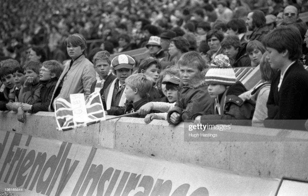 Palace fans watch the action during the Division 2 match between Crystal Palace and Chelsea at Selhurst Park on April 12,1982 in London,England. Chelsea won the match 1-0.