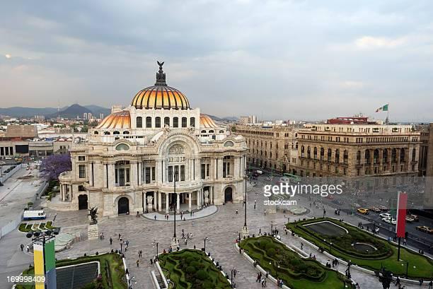 palace of fine arts in mexico city - mexico stad stockfoto's en -beelden