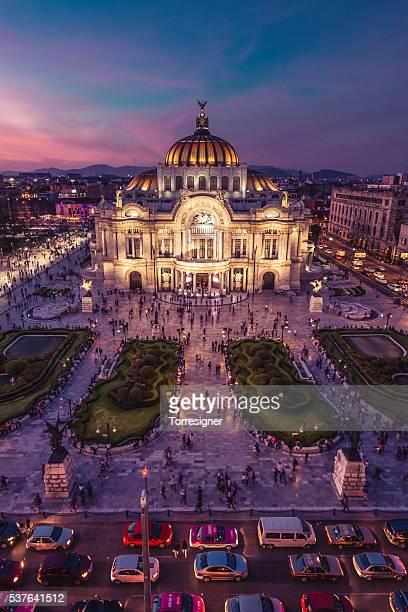 palacio de bellas artes, noite vista panorâmica - cidade do méxico - fotografias e filmes do acervo