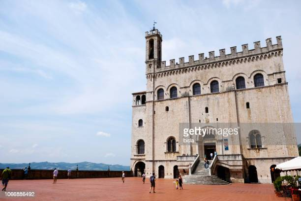 palazzo dei consoli - gubbio stock pictures, royalty-free photos & images