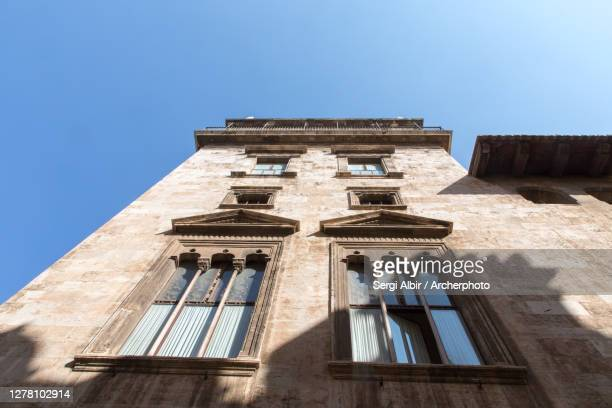 palace of the generalitat valenciana (torre moderna) - sergi albir fotografías e imágenes de stock