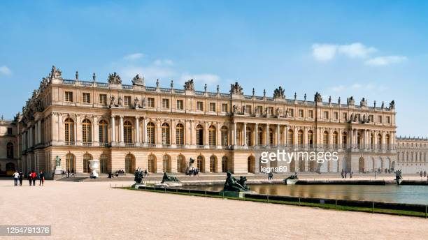 palace of versailles, near paris. - chateau de versailles stock pictures, royalty-free photos & images