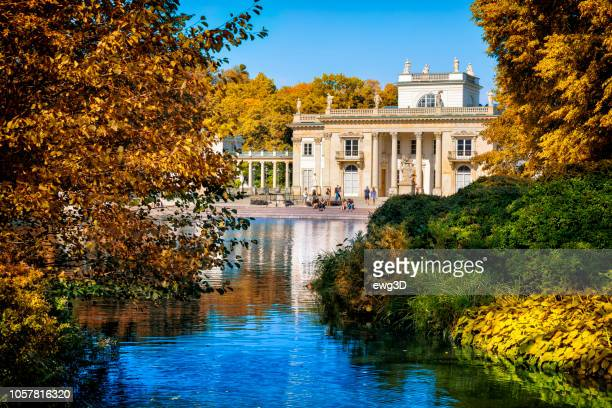 palace on the water, warsaw, poland - warsaw stock pictures, royalty-free photos & images