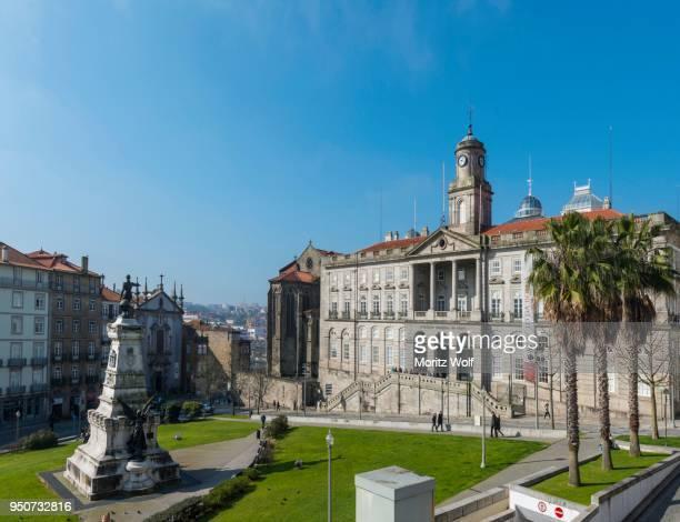 palacio da bolsa, stock exchange palace, jardim do infante dom henrique, porto, portugal - palácio imagens e fotografias de stock